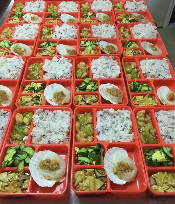 广州珠江新城员工餐配送每日8000份案例